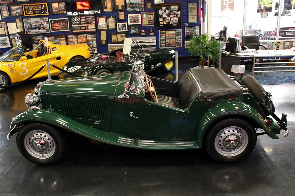 1951 MG TD CONVERTIBLE - Side Profile - 125539