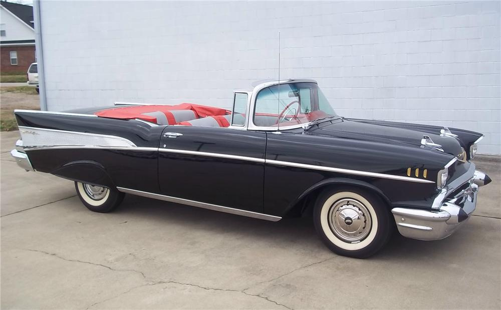 1957 CHEVROLET BEL AIR CONVERTIBLE - Front 3/4 - 125544