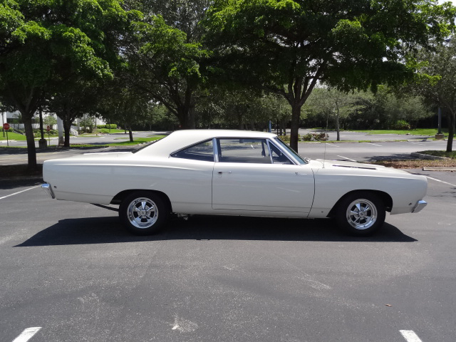 1968 PLYMOUTH ROAD RUNNER CUSTOM 2 DOOR SEDAN - Side Profile - 125660