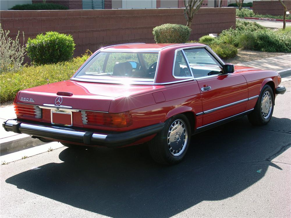 1989 MERCEDES-BENZ 560SL CONVERTIBLE - Rear 3/4 - 125665