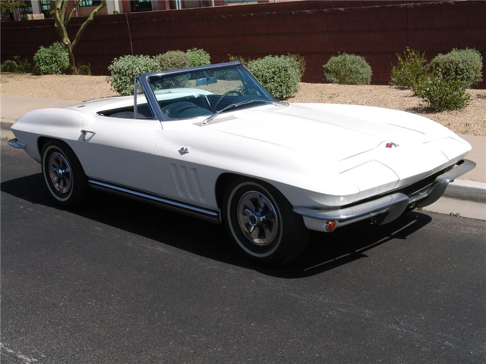 1965 CHEVROLET CORVETTE CONVERTIBLE - Front 3/4 - 125666