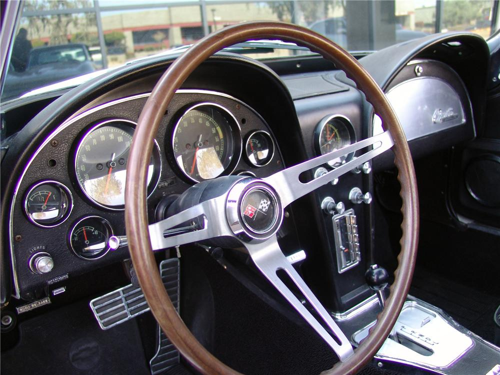 1965 CHEVROLET CORVETTE CONVERTIBLE - Interior - 125666