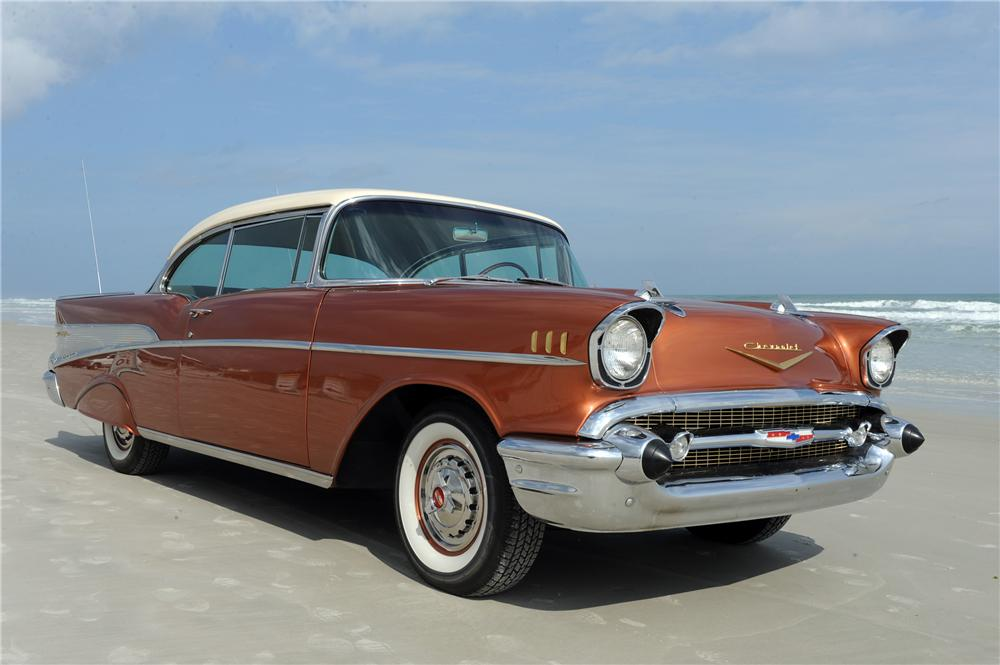 1957 CHEVROLET BEL AIR 2 DOOR HARDTOP - Front 3/4 - 125668
