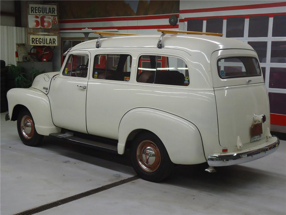 1951 CHEVROLET SUBURBAN CARRYALL  - Rear 3/4 - 125673