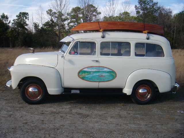 1951 CHEVROLET SUBURBAN CARRYALL  - Side Profile - 125673