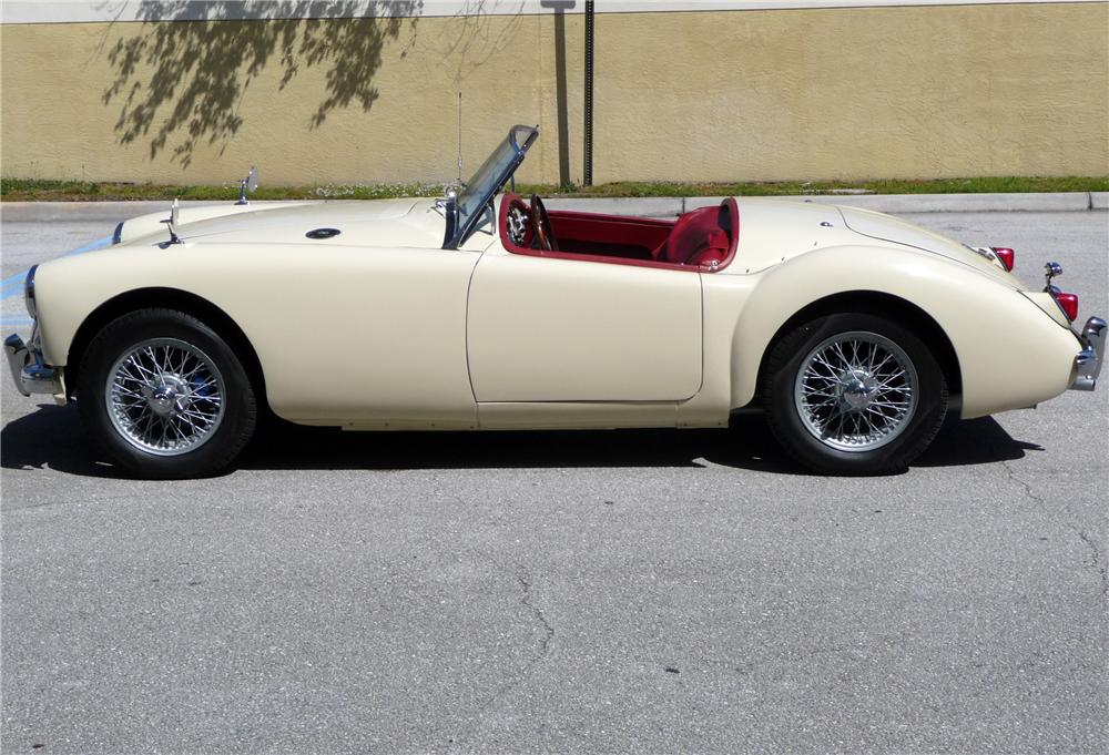 1957 MGA 1500 CONVERTIBLE - Side Profile - 125692