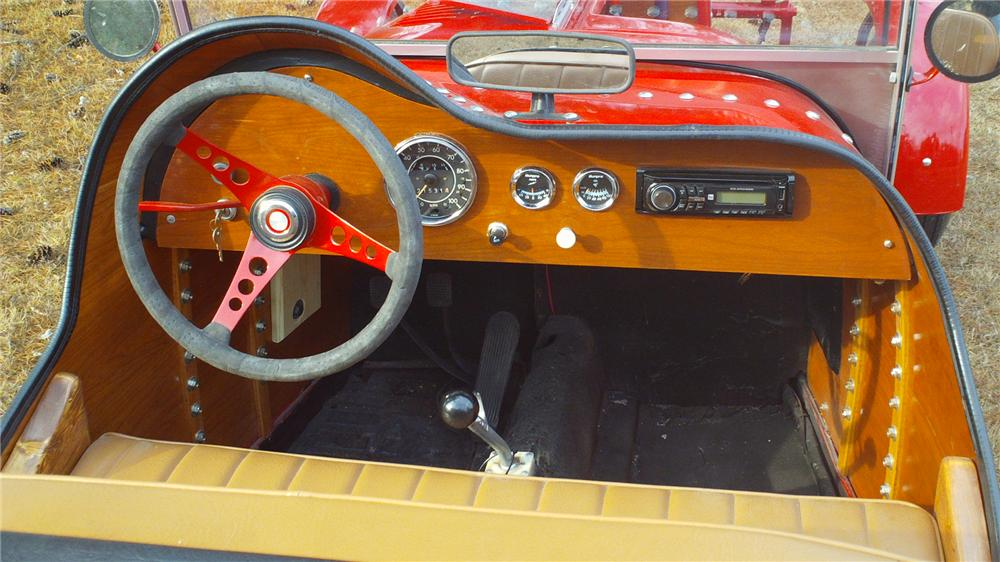 1937 BUGATTI ROADSTER RE-CREATION - Interior - 125701