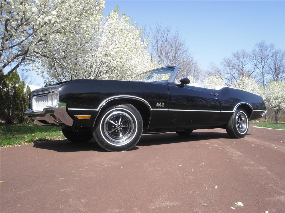 1970 OLDSMOBILE 442 CONVERTIBLE - Front 3/4 - 125703