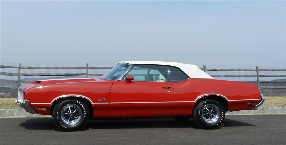 1971 OLDSMOBILE CUTLASS 442 CONVERTIBLE - Side Profile - 125705