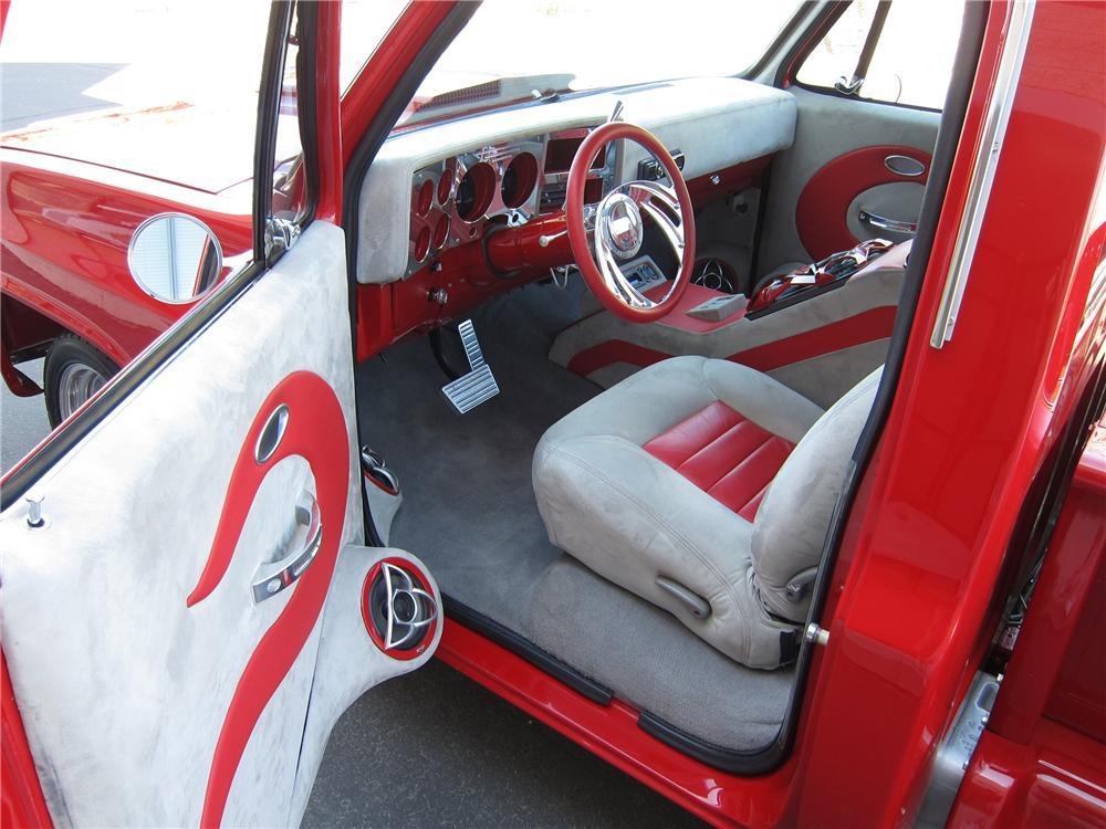 1982 CHEVROLET C-10 CUSTOM PICKUP - Interior - 125710