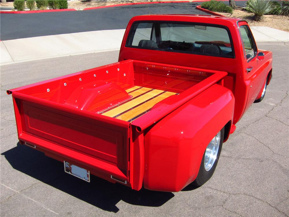 1982 CHEVROLET C-10 CUSTOM PICKUP - Rear 3/4 - 125710