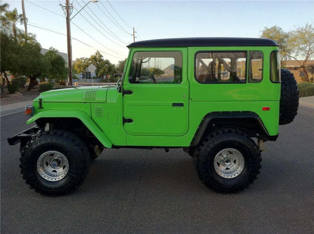 1977 TOYOTA LAND CRUISER FJ-40 CUSTOM SUV - Side Profile - 125713