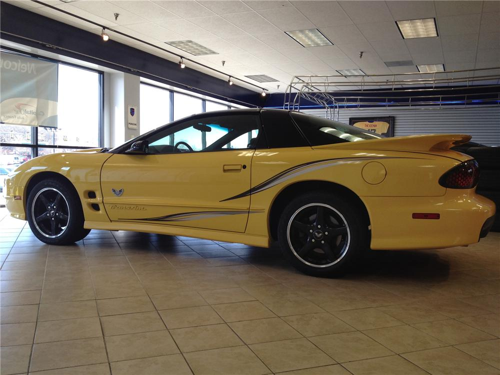 2002 PONTIAC FIREBIRD TRANS AM 2 DOOR COUPE - Side Profile - 125714