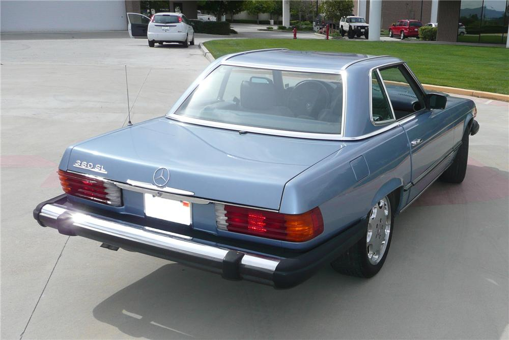 1983 MERCEDES-BENZ 380SL CONVERTIBLE - Rear 3/4 - 125720