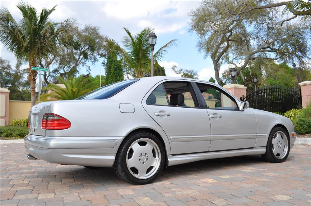 2000 mercedes benz e55 amg 4 door sedan 125750 for Mercedes benz e 55 amg