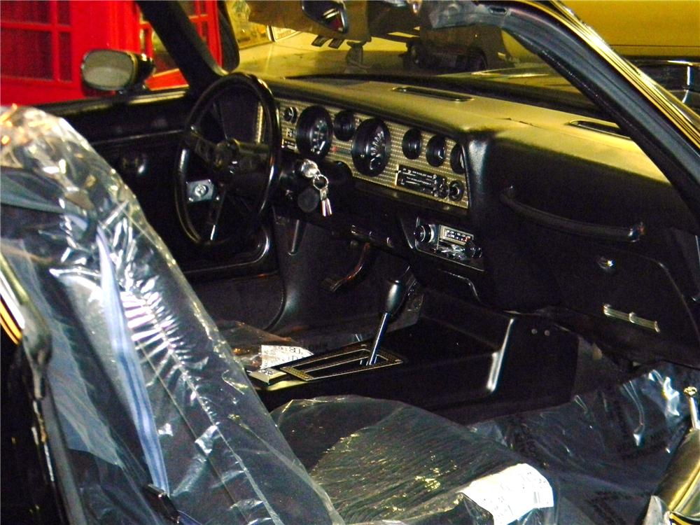 1981 PONTIAC FIREBIRD TRANS AM 2 DOOR COUPE - Interior - 125754