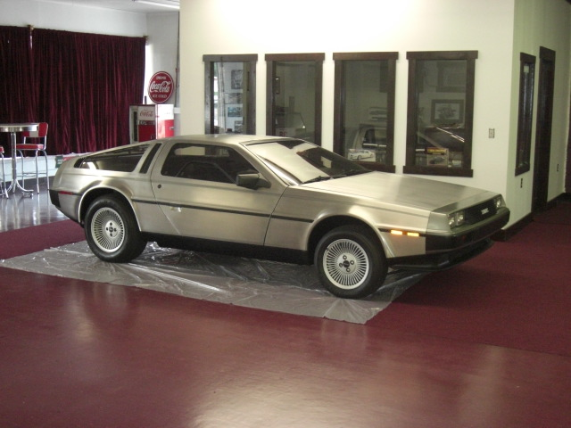 1983 DELOREAN DMC-12 GULLWING - Front 3/4 - 125756
