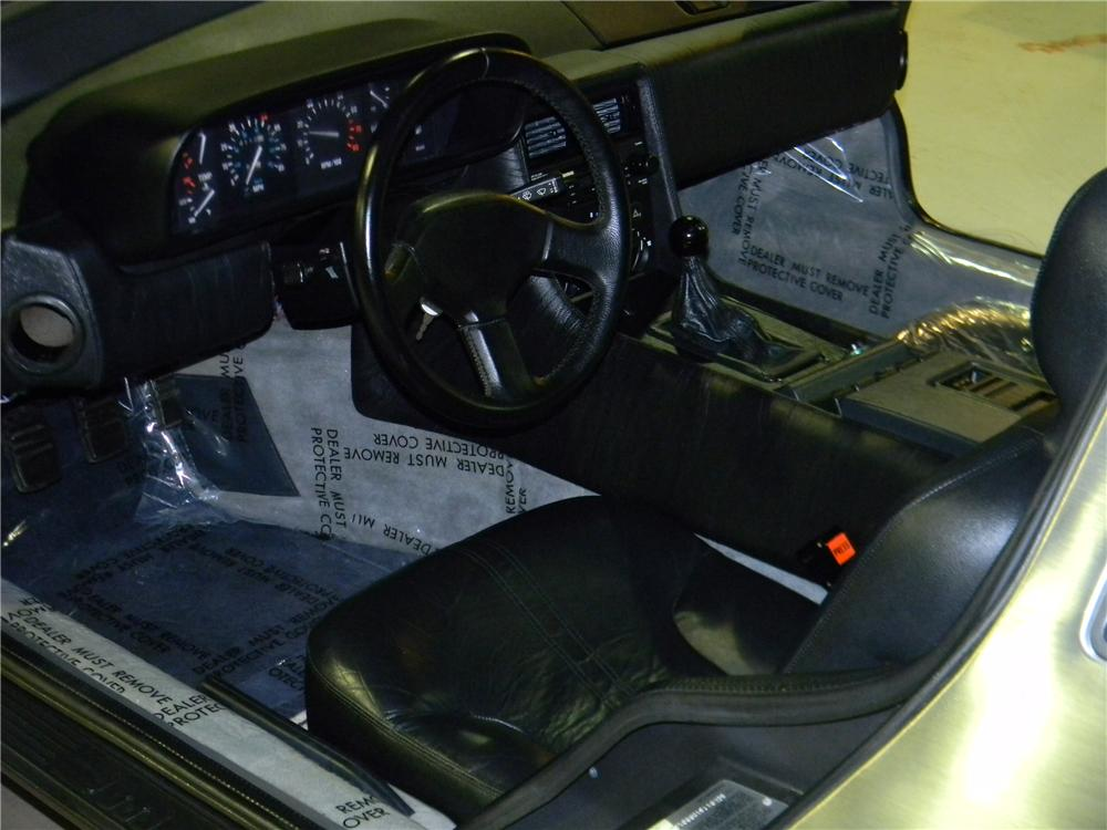 1983 DELOREAN DMC-12 GULLWING - Interior - 125756