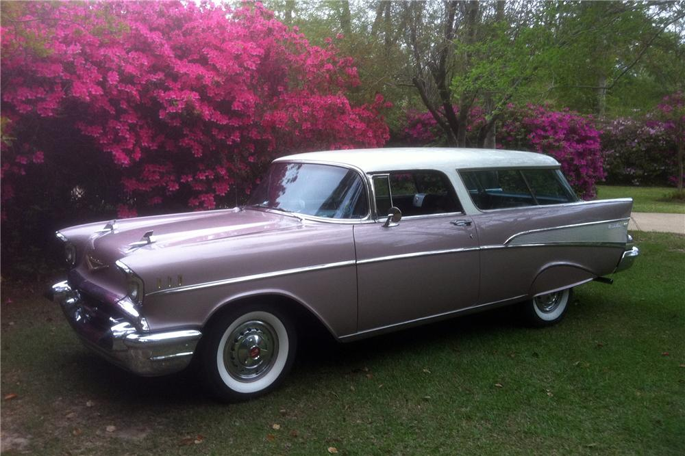 1957 CHEVROLET NOMAD STATION WAGON - Front 3/4 - 125762