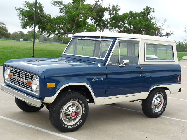 1977 FORD BRONCO SUV - Front 3/4 - 125764