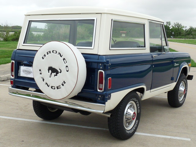 1977 FORD BRONCO SUV - Rear 3/4 - 125764