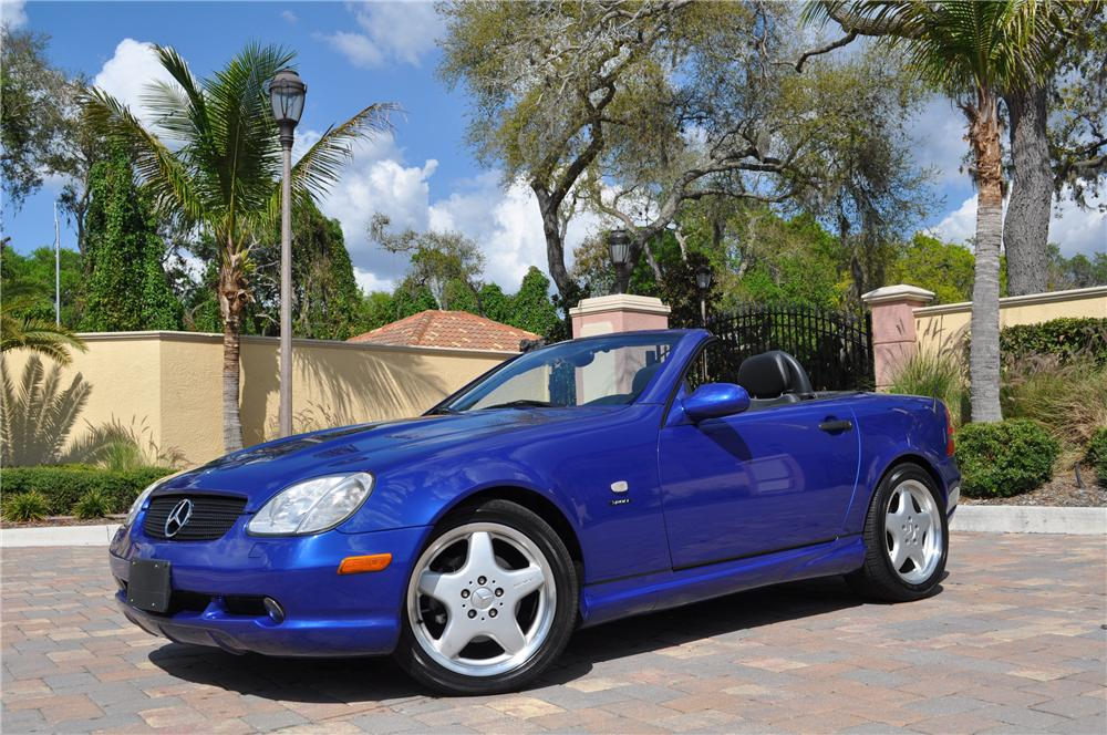 1999 MERCEDES-BENZ SLK230 CONVERTIBLE - Front 3/4 - 125770