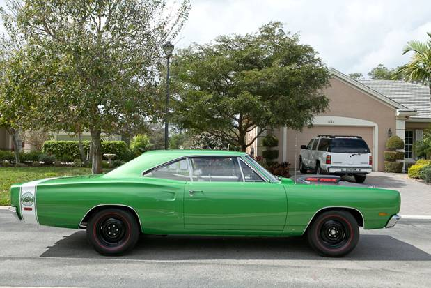 1969 DODGE SUPER BEE 2 DOOR COUPE - Side Profile - 125772