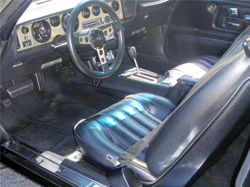 1977 PONTIAC TRANS AM 2 DOOR COUPE - Interior - 125776