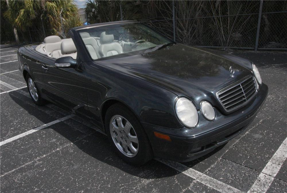 2000 mercedes benz clk 320 convertible 125779. Black Bedroom Furniture Sets. Home Design Ideas