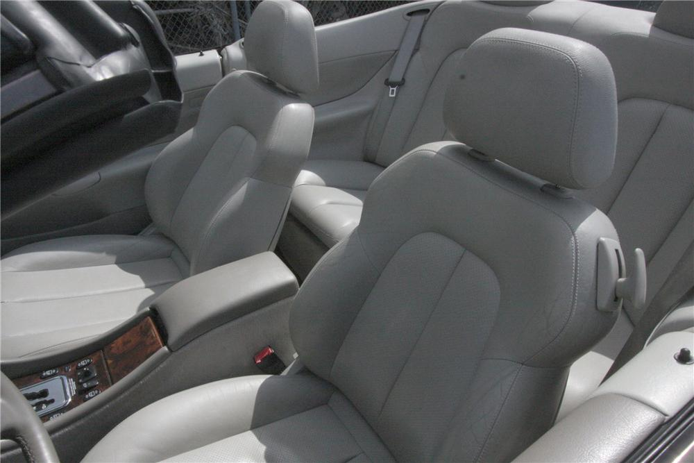 2000 MERCEDES-BENZ CLK 320 CONVERTIBLE - Interior - 125779