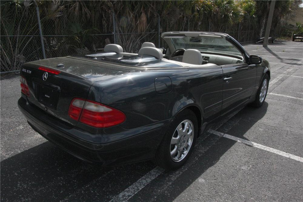 2000 MERCEDES-BENZ CLK 320 CONVERTIBLE - Rear 3/4 - 125779