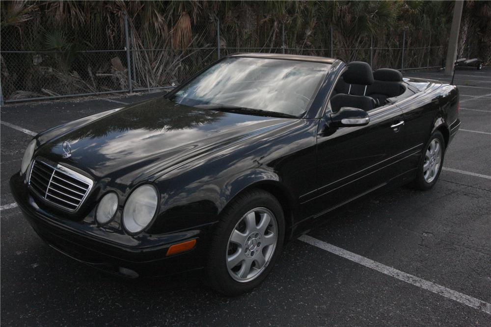 2003 MERCEDES-BENZ CLK 320 CONVERTIBLE - Front 3/4 - 125781