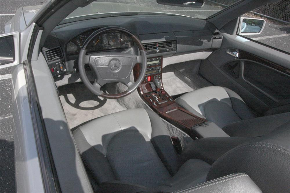 1997 MERCEDES-BENZ SL600 CONVERTIBLE - Interior - 125782