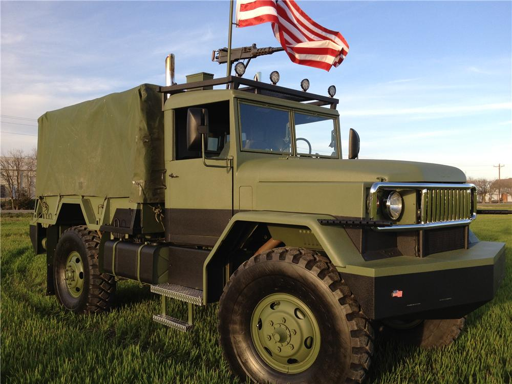 1990 AM GENERAL CUSTOM MILITARY TRUCK - Front 3/4 - 125802