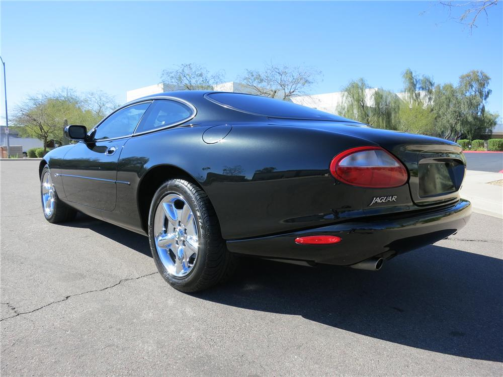 1997 JAGUAR XK8 COUPE - Rear 3/4 - 125820