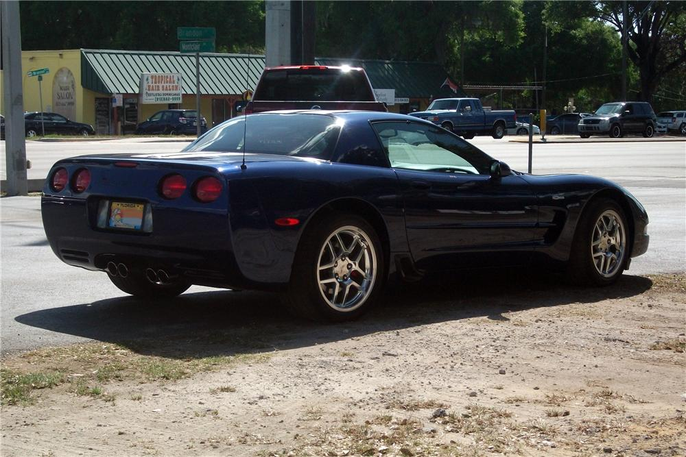 2004 CHEVROLET CORVETTE Z06 COUPE - Front 3/4 - 125823