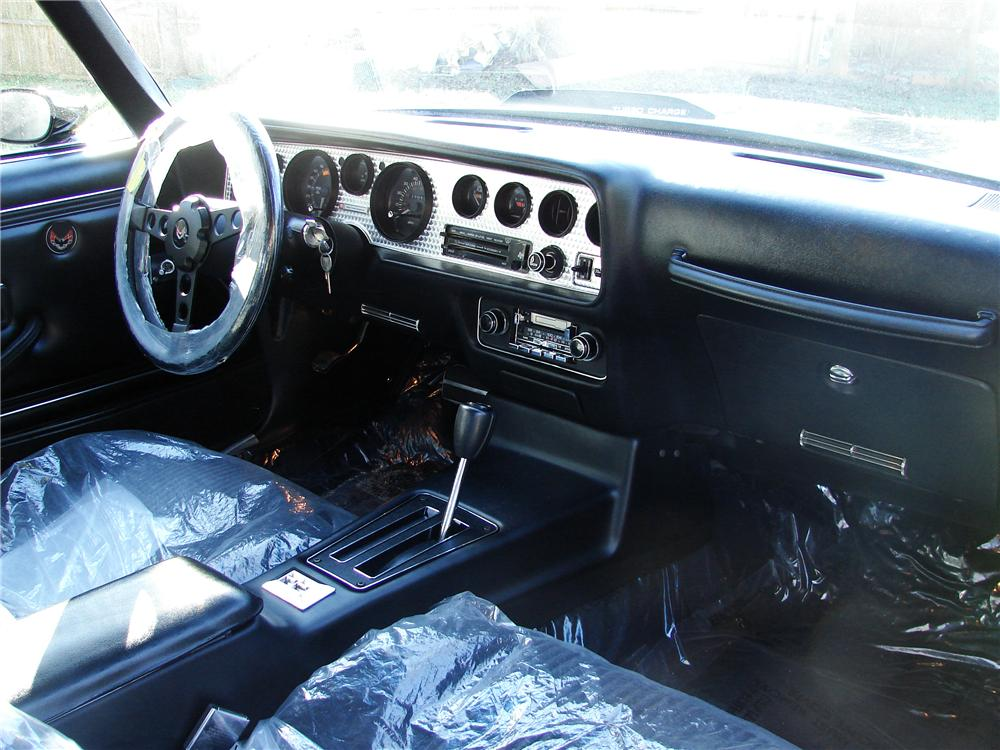 1981 PONTIAC TRANS AM 2 DOOR COUPE - Interior - 125836
