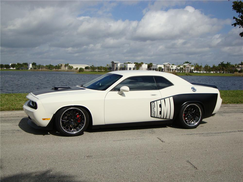 2009 dodge challenger r t custom 2 door hardtop125841. Black Bedroom Furniture Sets. Home Design Ideas