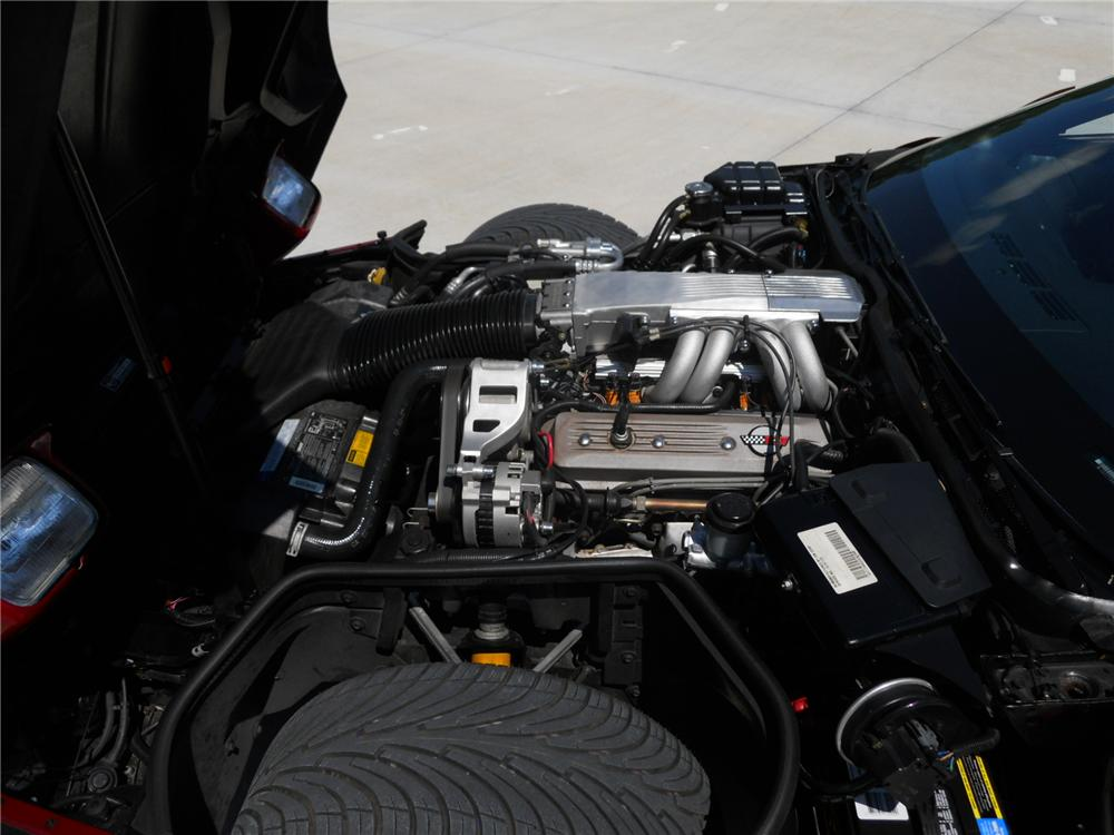 1990 CHEVROLET CORVETTE CONVERTIBLE - Engine - 125843