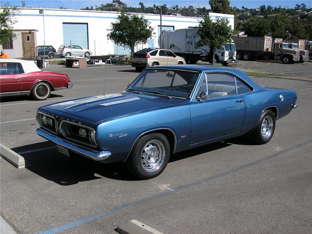 1967 PLYMOUTH BARRACUDA 2 DOOR HARDTOP - Front 3/4 - 130230