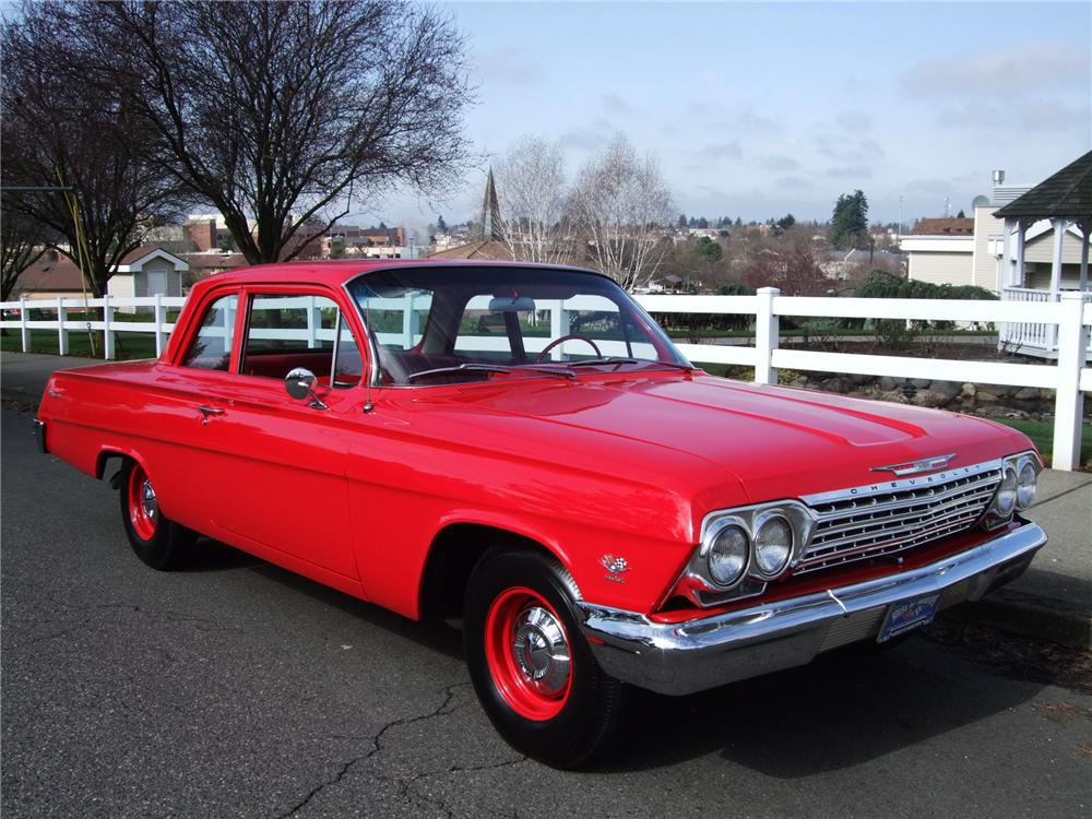 1962 CHEVROLET BISCAYNE 2 DOOR SEDAN - Front 3/4 - 130243