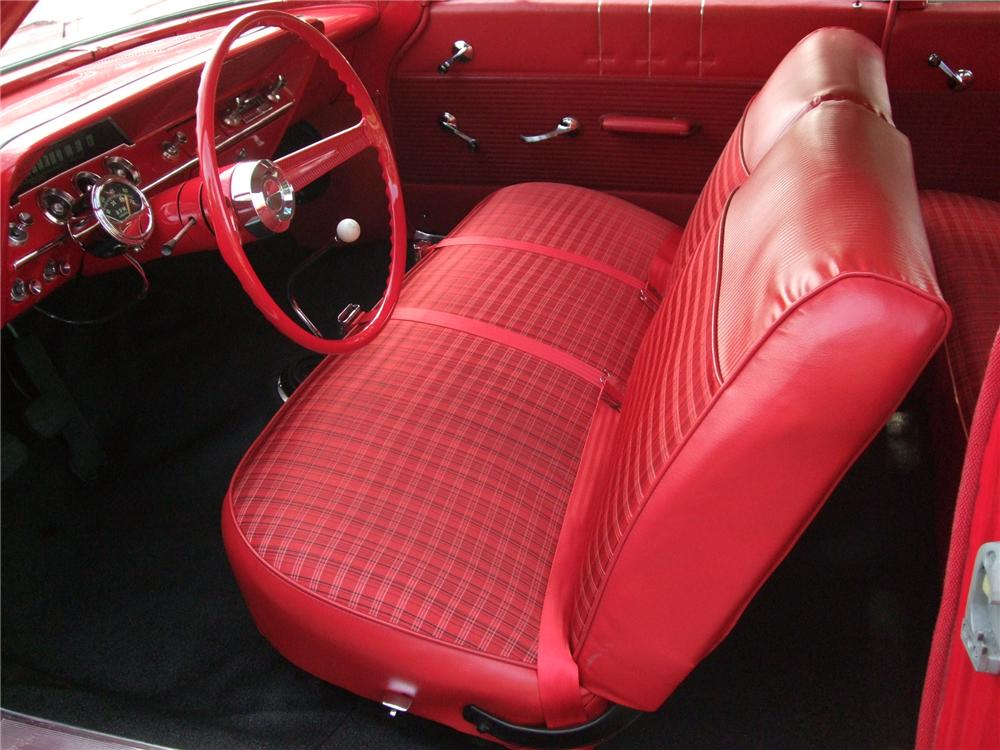 1962 CHEVROLET BISCAYNE 2 DOOR SEDAN - Interior - 130243