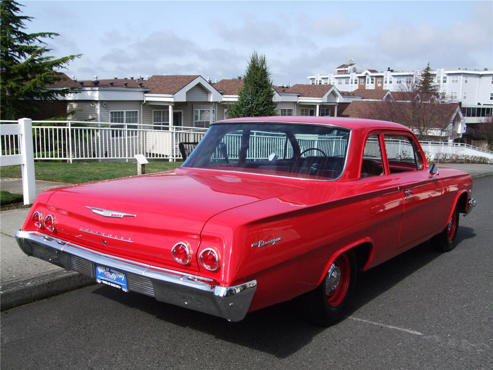 1962 CHEVROLET BISCAYNE 2 DOOR SEDAN - Rear 3/4 - 130243