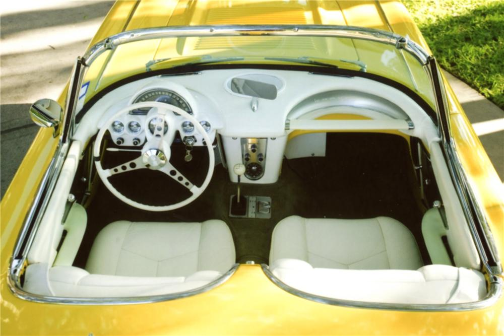 1958 CHEVROLET CORVETTE CUSTOM CONVERTIBLE - Interior - 130253