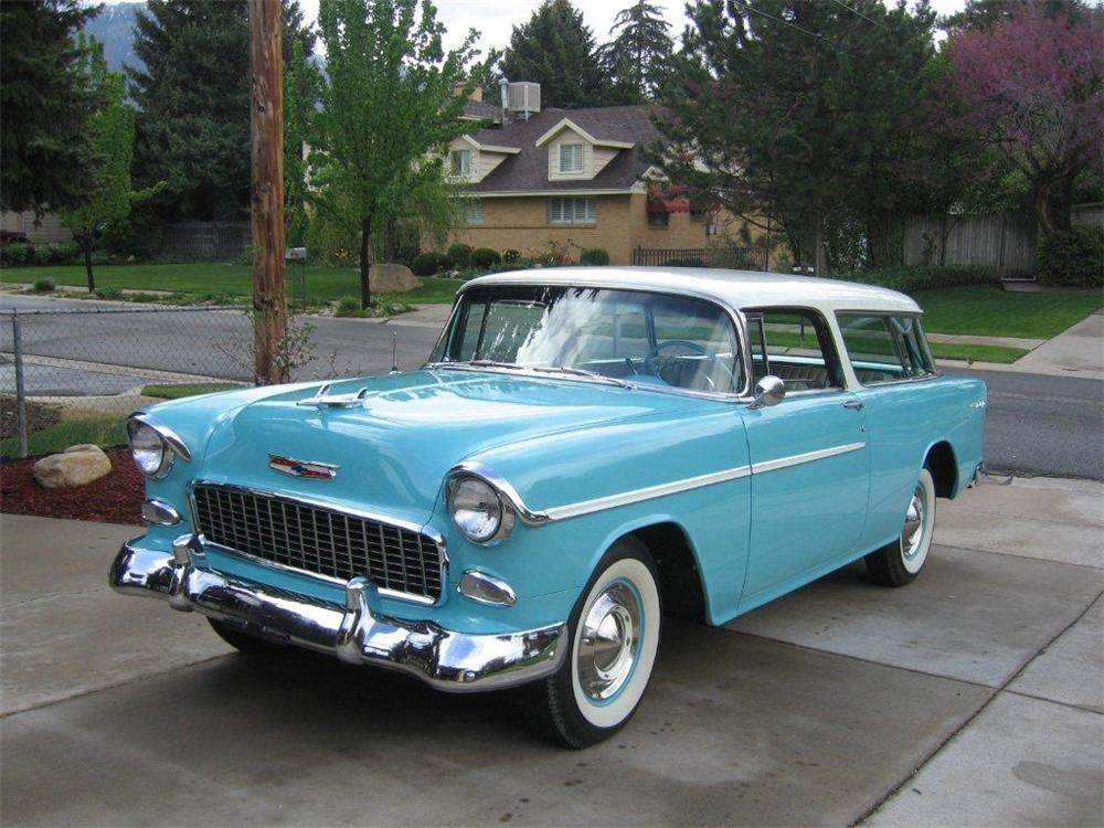 1955 CHEVROLET NOMAD STATION WAGON - Front 3/4 - 130263