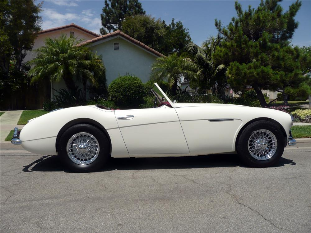 1960 AUSTIN-HEALEY 3000 MARK I BN7 ROADSTER - Side Profile - 130265