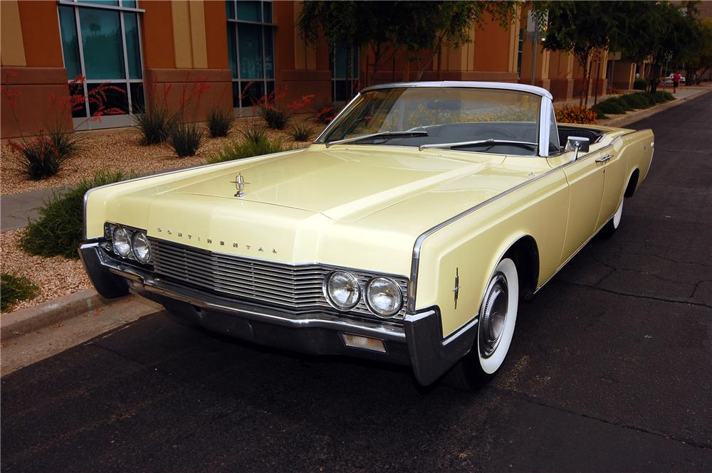 1966 LINCOLN CONTINENTAL CONVERTIBLE - Front 3/4 - 130269