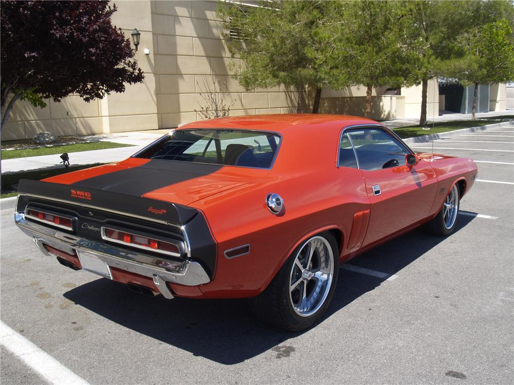 1971 DODGE CHALLENGER CUSTOM 2 DOOR HARDTOP - Rear 3/4 - 130270