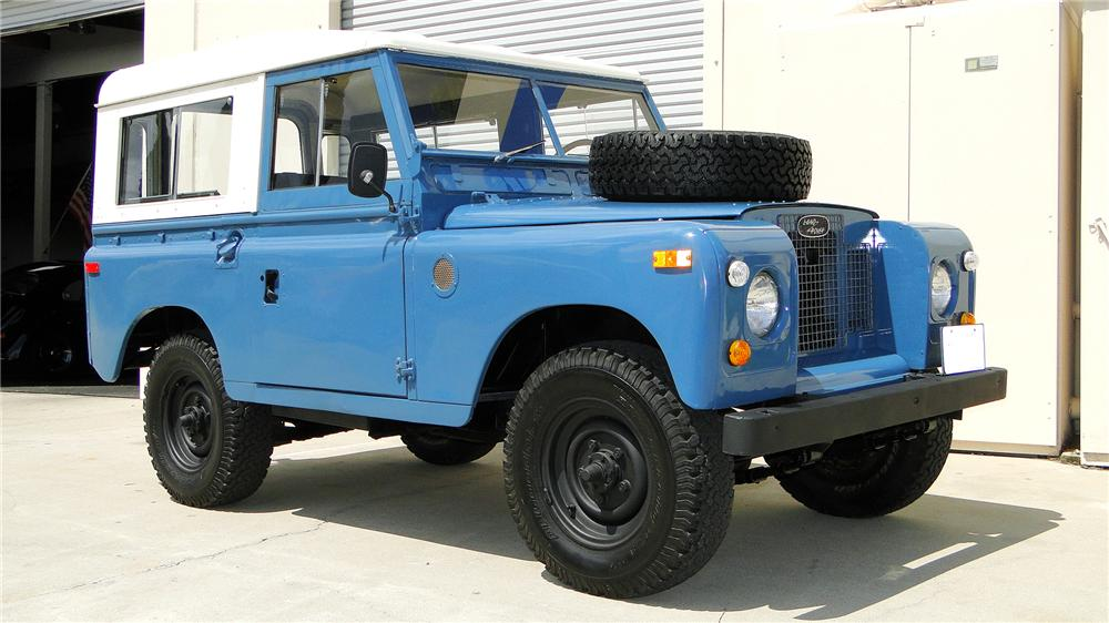 1971 LAND ROVER 4-WHEEL DRIVE - Front 3/4 - 130297