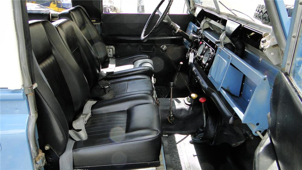 1971 LAND ROVER 4-WHEEL DRIVE - Interior - 130297